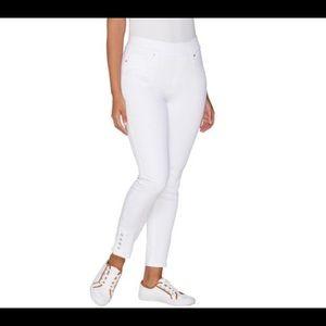 Martha Stewart Regular Knit Denim Pull On Jeans